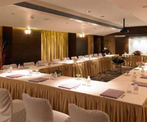 Royal Orchid Central, Pune-Meeting & Events