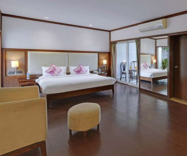 Royal Orchid Resort & Convention Centre, Bangalore-Stay